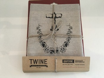Grapevine: Corkscrew icon Towel Set